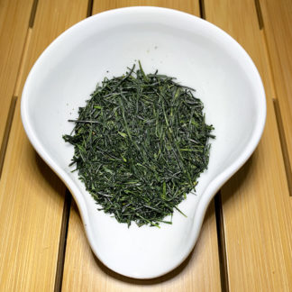 Shincha Gyokuro in Präsentationsschale