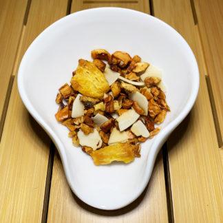 Geröstete Ananas milder Früchtetee mit Kokos